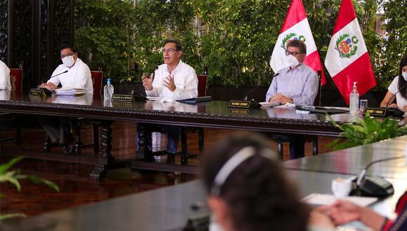 El presidente Martín Vizcarra anunció la nueva ampliación del periodo de cuarentena acompañado por todos sus ministros. (Foto: Palacio de Gobierno)