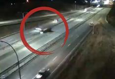 Avioneta realiza un aterrizaje nocturno de emergencia en autopista de Minnesota | VIDEO
