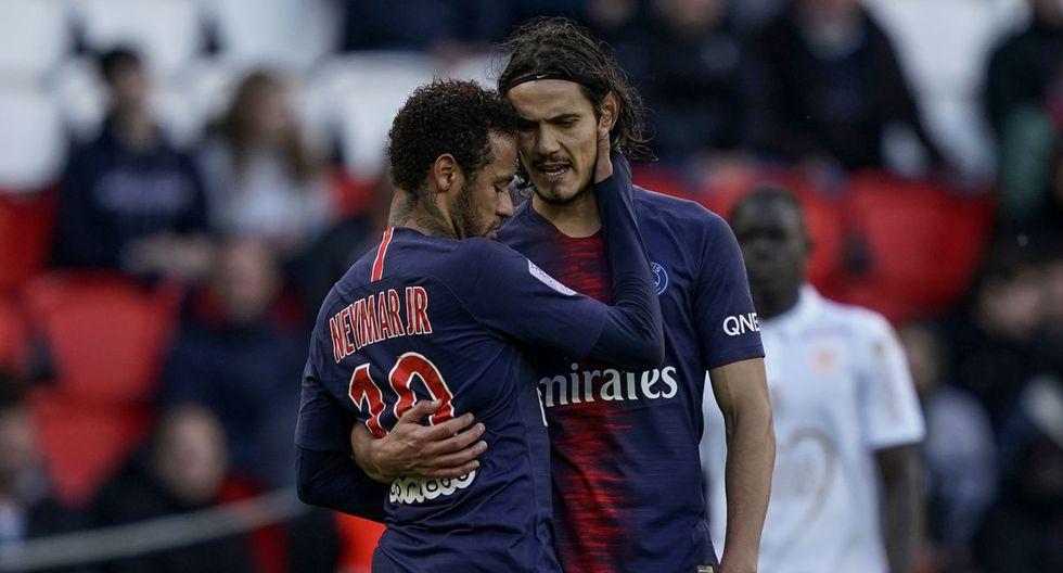 Neymar y Edinson Cavani durante el partido entre el PSG y el Niza en el Parque de los Príncipes por la Ligue 1. (Lionel Bonaventure / AFP)