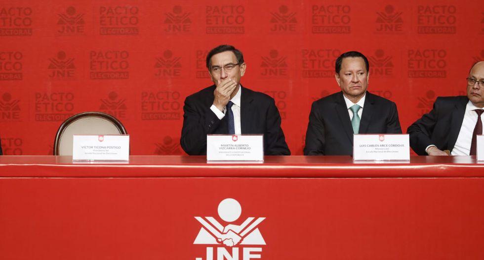 Martín Vizcarra estuvo presente en la mesa con los representantes de 22 partidos políticos. Solo 21 de ellos firmaron el pacto. (Foto: Piko Tamashiro / GEC)
