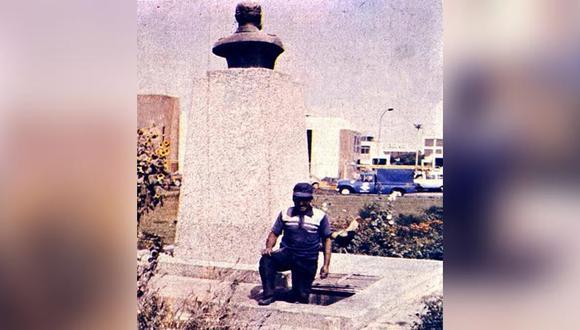 Clemente Asto vivió durante 9 años junto a su familia debajo del monumento del héroe de Angamos en el óvalo Monitor en Surco. (Foto: Archivo Histórico El Comercio)