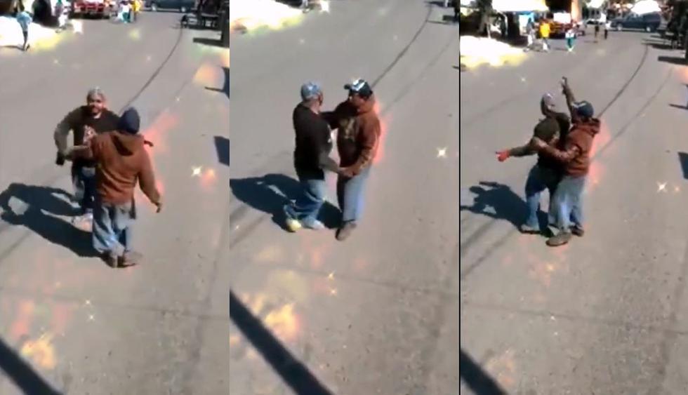 En una calle de México, dos trabajadores de un mercado interrumpieron sus labores para protagonizar un video que se volvió viral en Facebook. (Foto: captura)