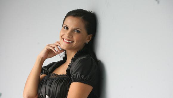Mónica Sánchez conducirá programa en América TV