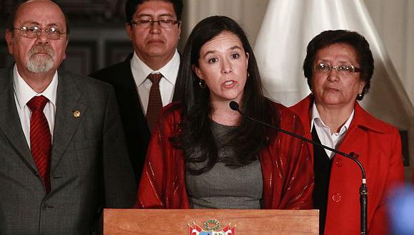 Marisa Glave pide dejar atrás al fantasma de la Izquierda Unida