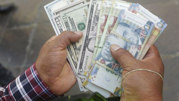 El dólar cerró a la baja el miércoles. (Foto: Diana Chávez | GEC)