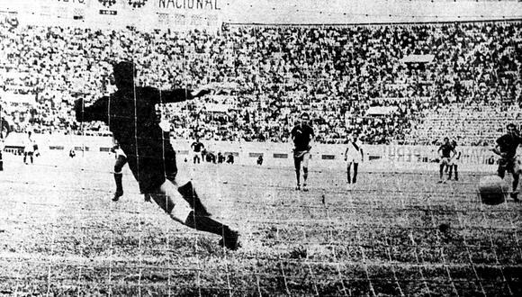 El penal bien ejecutado por Víctor 'Pitín' Zegarra permitió el primer triunfo peruano en las Eliminatorias para Inglaterra 66 ante Venezuela. (Foto: GEC).