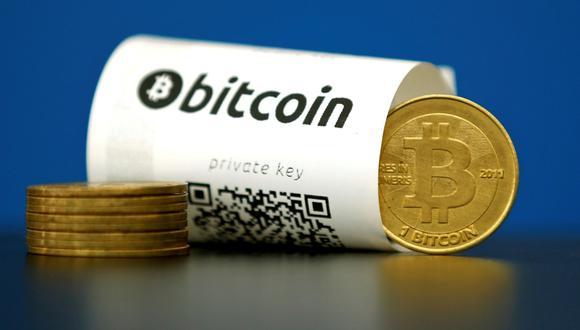 El bitcoin se negociaba a US$9.424 a las 9:59 a.m., hora de Londres, un 9,9% más que la cotización de cierre del viernes, según precios consolidados de Bloomberg. (Foto: Agencias)