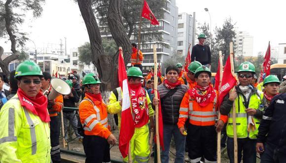 La derogatoria del Congreso permitirá que los trabajadores negocien acuerdos laborales sin tomar en cuenta su productividad, como planteaba el decreto. (Foto: Lino Chipana   GEC)
