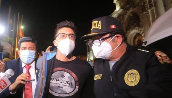 Policía Nacional informó que Carlos Ezeta, quien agredió al congresista Ricardo Burga, fue puesto a disposición del Ministerio Público. (Foto: César Von Bancels/GEC)