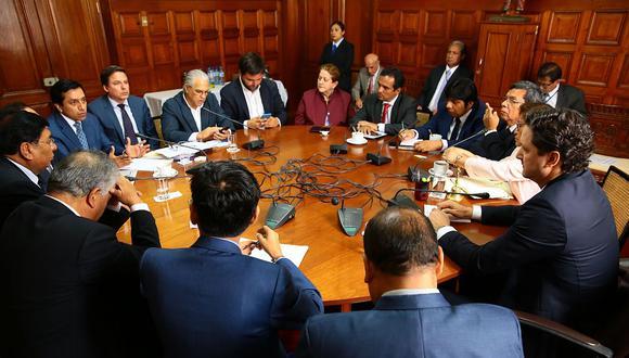 Los congresistas que firmaron la moción participaron en la Junta de Portavoces. (Foto: Congreso de la República)