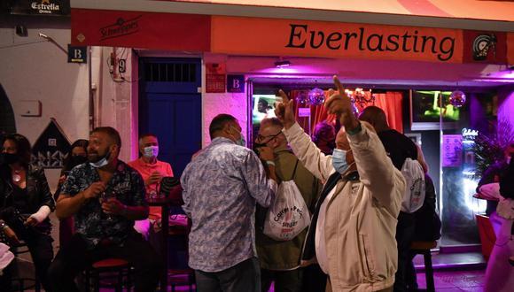 España autoriza reabrir discotecas hasta la madrugada en zonas con baja incidencia de coronavirus. (Foto: Pau BARRENA / AFP).