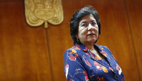 La presidenta del Tribunal Constitucional, Marianella Ledesma, ha trasladado su sede a un edificio que estaba abandonado junto al Banco de la Nación. (foto César Campos).