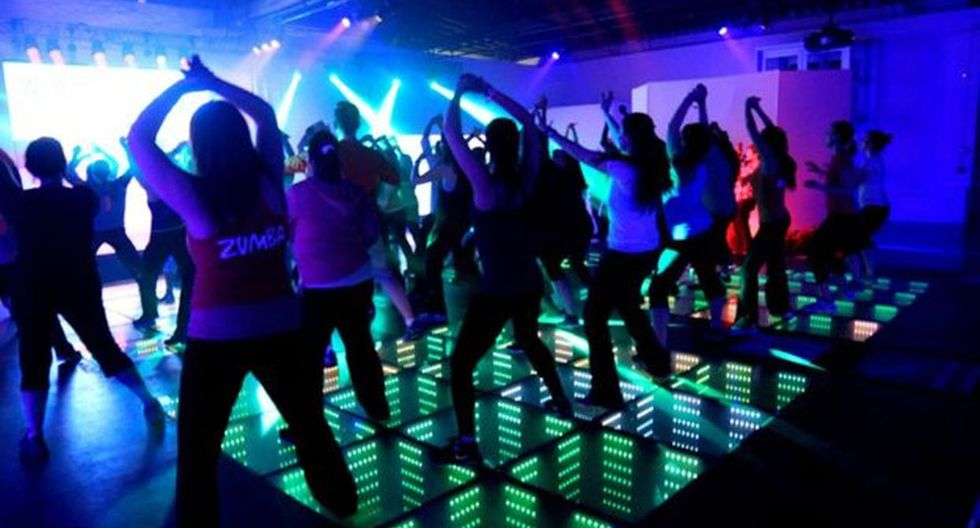 Hay empresas en diferentes lugares del mundo que permiten crear pistas de baile que se alumbran con las pisadas. (Foto: Energy Floor)