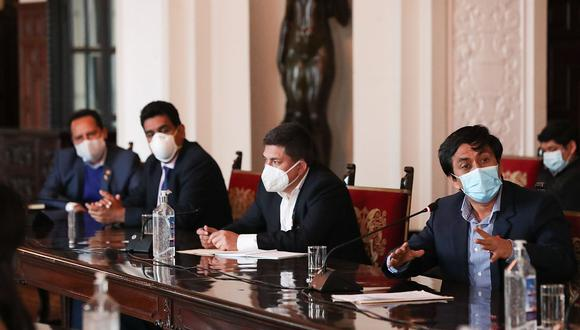 En julio, los congresistas de Alianza para el Progreso se reunieron con Pedro Cateriano, en la PCM, como parte de la ronda de conversaciones con miras al voto de confianza. Dicha bancada optó por la abstención. (Foto: PCM)
