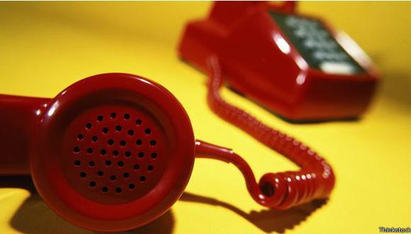 Cómo callar a los que hablan alto por teléfono en la oficina