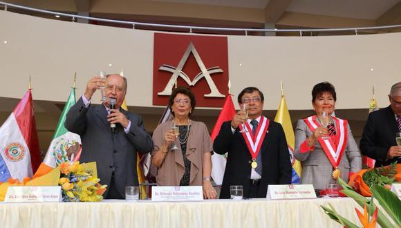 En abril del 2018, Ántero Flores-Aráoz fue padrino de la ampliación del campus de la Universidad Peruana de las Américas, hoy con licencia denegada por la Sunedu. (Foto: Facebook)