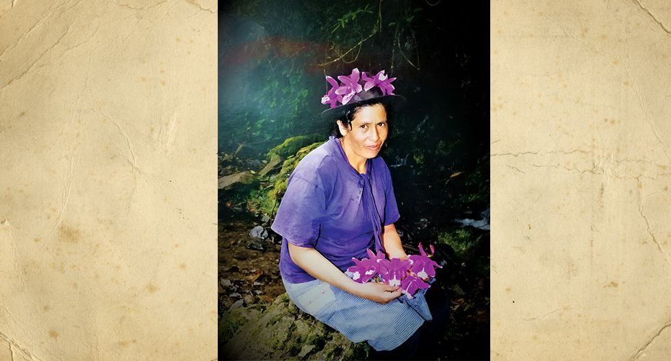 """Eufemia Huamaní Rojas. En la foto tenia 30 años, actualmente se dedica a su casa. La imagen fue perennizada en el rio """"purec yaccu"""" del  Distrito Huachocolpa- Tayacaja, en Huancavelica."""