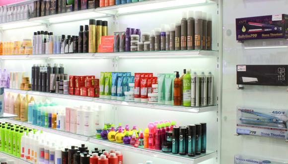 Probela distribuye marcas como L`oreal, Revlon, Wella, Sebastian, Recamier, Babyliss, entre otras, y también cuenta con cuatro marcas propias: Itely Hairfashion, Idraet, Uki y Make Up Pro.