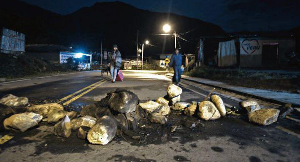 Tensión en Quillabamba: Auto cae al río cerca de piquete