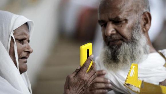 India: Tren arrolla a adolescente que quería hacerse un 'selfi'