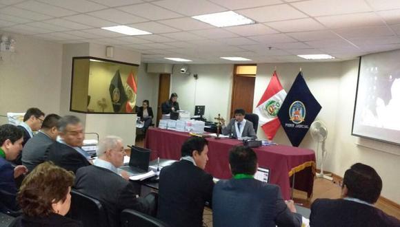 Al momento de emitirse la decisión judicial, ninguno de los imputados se encontraba en la audiencia, razón por la cual el juez ordenó la inmediata ubicación y captura de Vicente Díaz Arce y sus coencausados. (Poder Judicial)