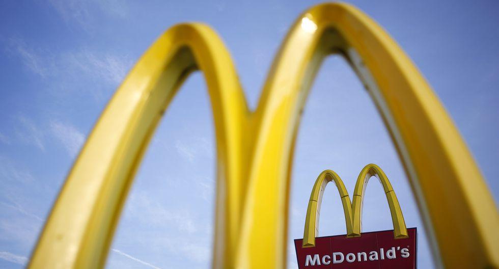 Este martes, McDonald's inició la reapertura de sus locales en el país, tras nueve días de cerrar sus tiendas ante el fallecimiento de dos de sus trabajadores. (Foto: Luke Sharrett/Bloomberg)