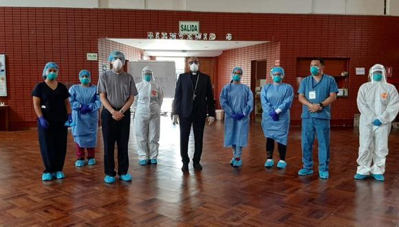 El auditorio de la Parroquia Santa Rosa de Lima en Lince se ha convertido en refugio para la atención de pacientes con comorbilidades tales como hipertensión, diabetes y cardiopatías en el marco de la emergencia por COVID-19 en el país. (Foto: Parroquia Santa Rosa de Lima)