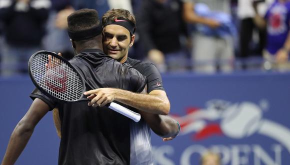 Roger Federer se impuso al joven tenista estadounidense Frances Tiafoe en cinco sets. Los parciales a favor de suizo fueron 4-6, 6-2, 6-1, 1-6, 6-4. Foto: AFP