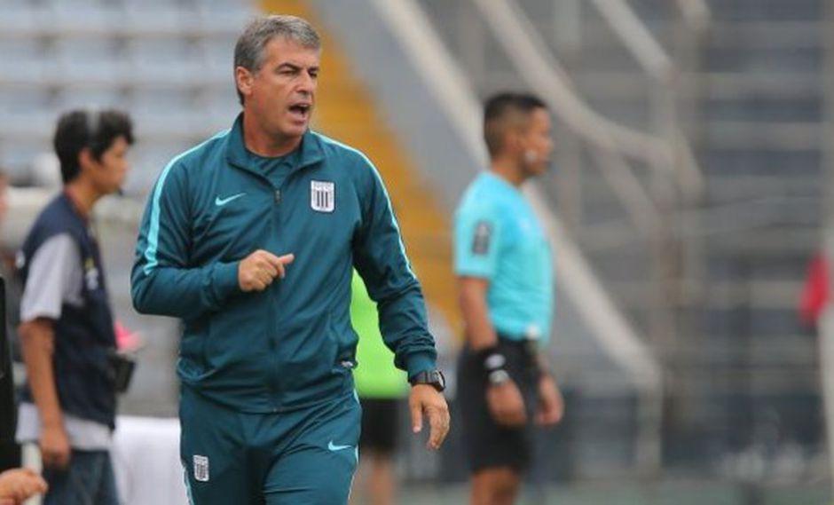 Pablo Bengoechea se coronó como el técnico que sacó campeón nacional  a Alianza Lima después de su once años. (Foto: USI)