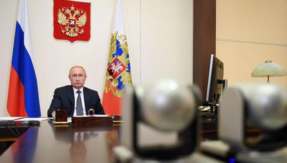 El presidente ruso, Vladimir Putin, anunció el último martes que su país se convirtió en el primero en autorizar una vacuna contra el COVID-19, que en Rusia ha contagiado a más de 900.000 personas. (Foto: EFE/EPA/ Alexei Nikolsky/Sputnik).