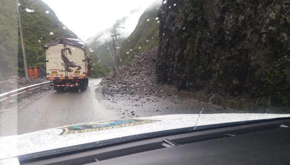 Junín: tránsito parcialmente restringido en la Carretera Central por deslizamiento