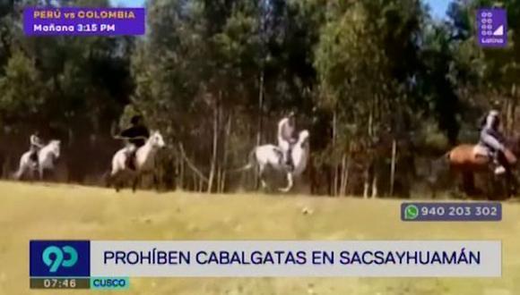 Las cabalgatas quedaron prohibidas en el perímetro del parque arqueológico de Sacsayhuamán (Cusco) ante el deterioro de la zona. (Foto: Captura Latina)