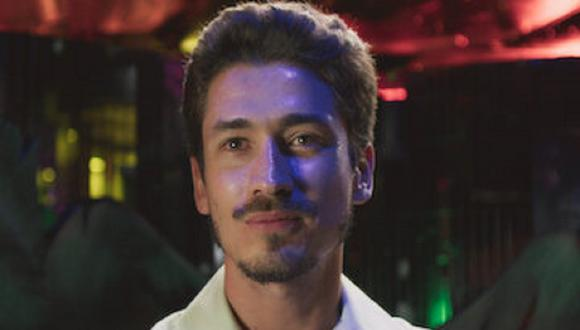 "Juan Pablo Urrego interpreta a Leonardo Villegas joven en ""El Cartel de los Sapos: El origen"" (Foto: Caracol TV/ Netflix)"