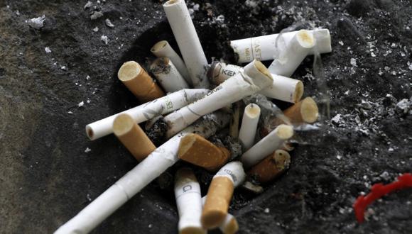 Iniciativas legales buscan prohibir anuncios relacionados con el tabaco. (Foto: Reuters)