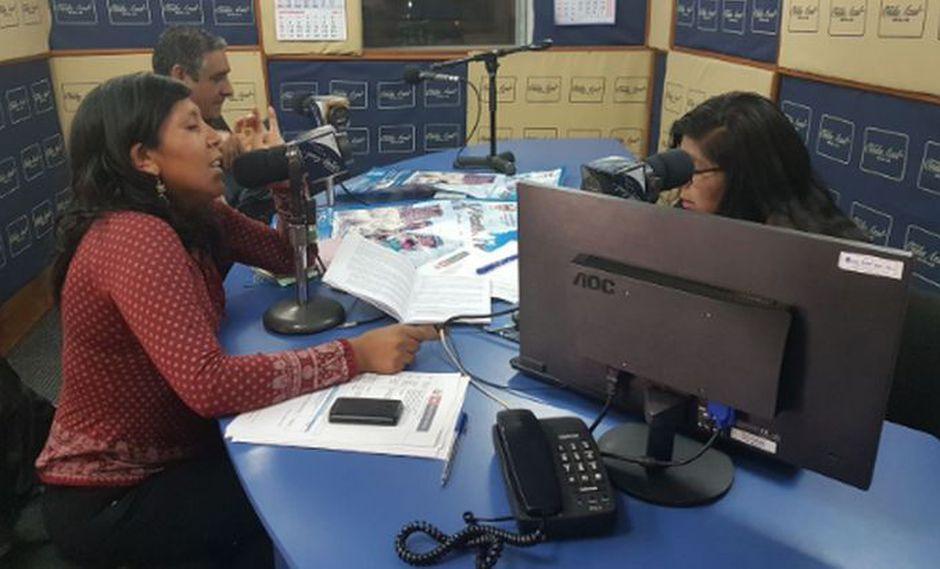 El Ministerio del Interior (Mininter) lanzó al aire su primer programa radial trilingüe.