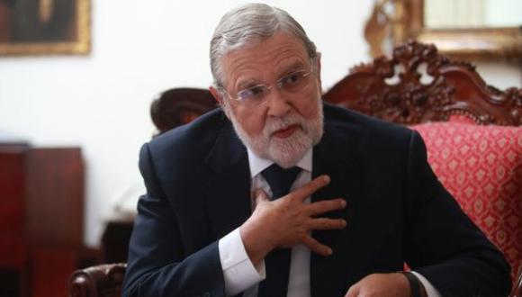 """El presidente del TC, Ernesto Blume, dijo confiar en que """"vamos a salir adelante"""" frente a la crisis política. (Foto: GEC)"""