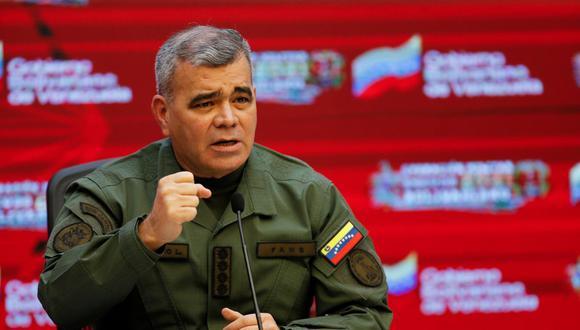 """El ministro de Defensa de Venezuela, Vladimir Padrino López, confirmó que los ocho militares secuestrados desde el pasado 23 de abril por disidentes de las FARC """"fueron rescatados"""". (Foto: Manaure Quintero / Reuters)"""
