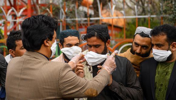 En Pakistán, existe fundados temores de un contagio masivo ya que el sistema de salud es endeble. (Foto: AFP).