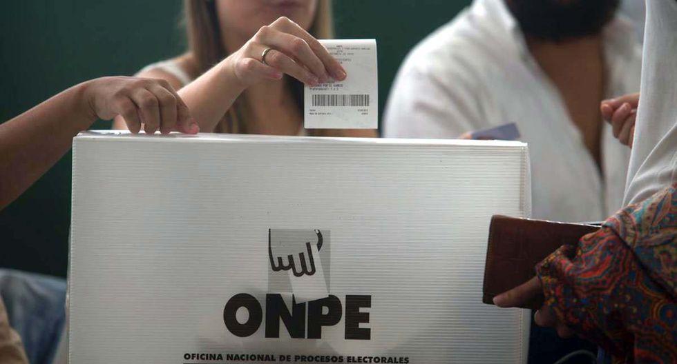 Solo el 28% señala que ha decidido su voto a estas alturas. En tanto, el 18% dice que hasta ahora ninguna agrupación lo convence. (Foto: Juan Ponce)