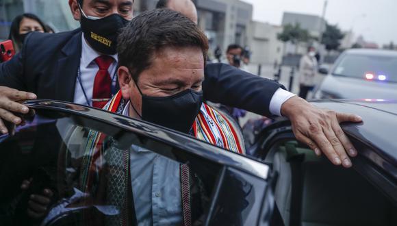 Si bien el primer ministro negó haberse reunido con Tito Rojas, el registro electrónico de visitas de la PCM indica que hubo una reunión a las 9:56 de la mañana. (Foto: El Comercio)