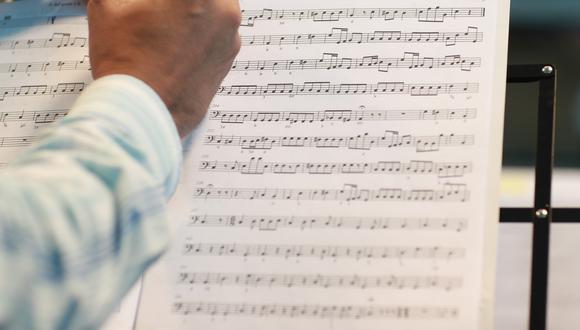 En la imagen, partitura de la versión más más antigua conocida del Himno Nacional del Perú. El Himno del Bicentenario, a diferencia del original, busca representar al país en el que nos hemos convertido. (Foto: El Comercio)