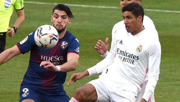 Raphael Varane destacó la capacidad de Real Madrid para salir de momentos difíciles. (Foto: EFE)