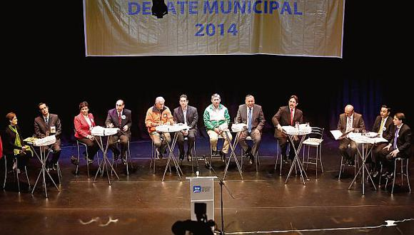 En el debate de ayer, que se realizó en la Biblioteca Nacional, participaron doce de los trece candidatos a la Alcaldía de Lima. Solo faltó Luis Castañeda. (Foto: Giancarlo Shibayama)