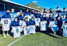La plantilla de Alcoyano lució sus camisetas personalizadas de Real Madrid