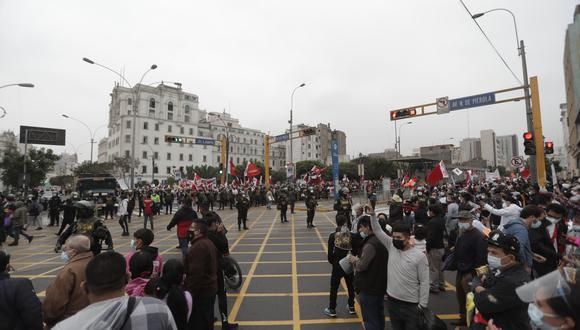 Unos 3.000 agentes de la PNP serán los encargados de mantener el orden ante movilizaciones políticas realizadas en Lima. (Foto: Renzo Salazar /GEC)