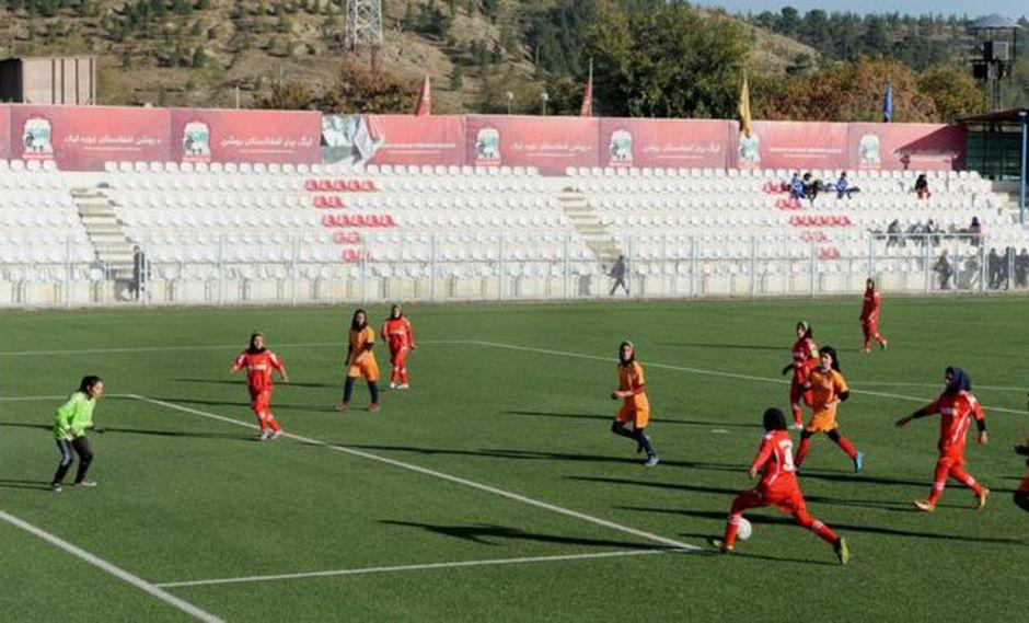 La selección femenina de fútbol Afganistán se había convertido en un símbolo de la libertad y la modernidad que se vive en el país después de la caída del régimen Talibán en 2001. Foto: AFP