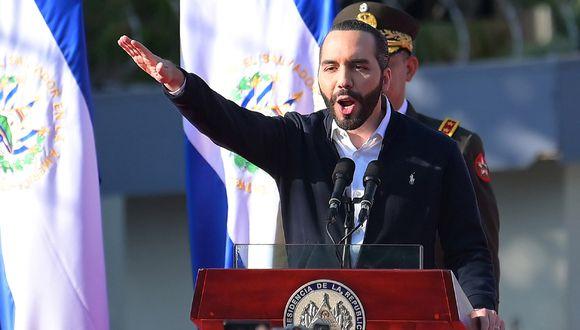 El presidente de El Salvador, Nayib Bukele, prescindió del Congreso para ampliar el estado de emergencia. (Foto: AFP/MARVIN RECINOS)
