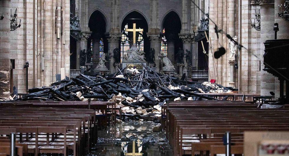 El incendio que arrasó parte de la catedral de Notre Dame de París fue apagado, aunque persisten dudas sobre la resistencia de la estructura de este símbolo de la cultura europea y testimonio de la historia de Francia. (Bloomberg).