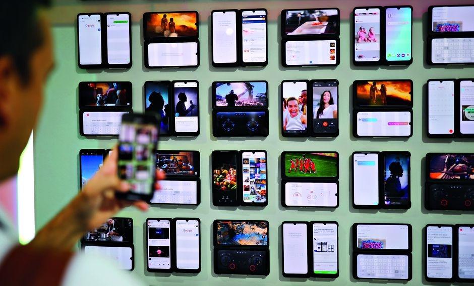 Multitarea. Las dos pantallas del LG G8X ThinQ prometen un nuevo abanico de posibilidades para los usuarios.