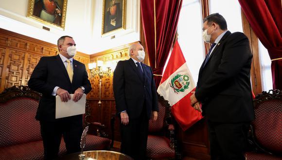 Cateriano asistió a la reunión con Merino acompañado por el ministro de Energía y Minas, Rafael Belaunde Llosa, nieto del expresidente Fernando Belaunde Terry. (Foto: PCM)